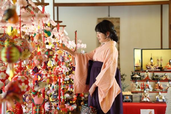 봄을 여는 일본 전통풍습 '히나마쓰리'